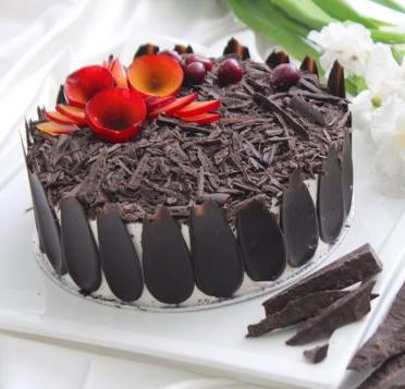 Black Forest Cake 2lbs From Movenpick