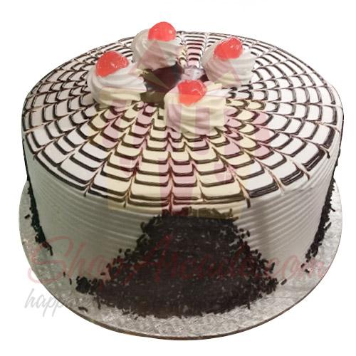 Black Forest Cake 4 lbs From Tehzeeb Bakerz