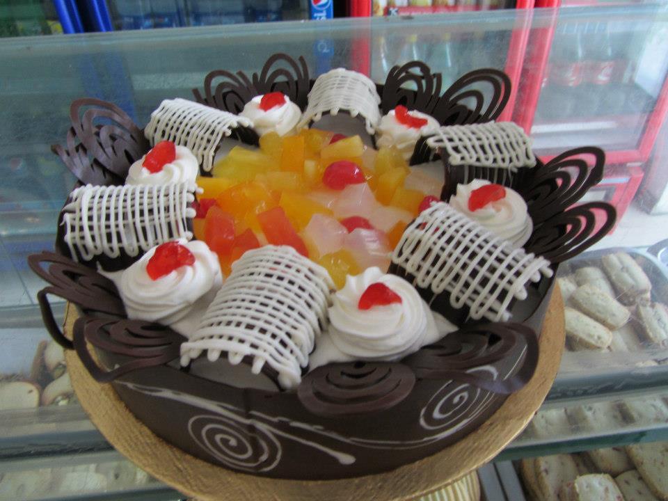 Fruit Cocktail Cake (2lbs) - Bakers INN