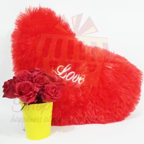 heart-cushion-with-rose-bucket