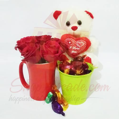 teddy-with-rose-and-chocs