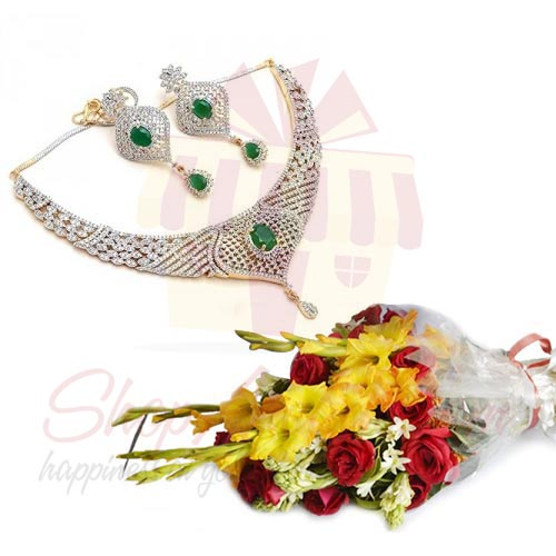 Flowers With Necklace Set