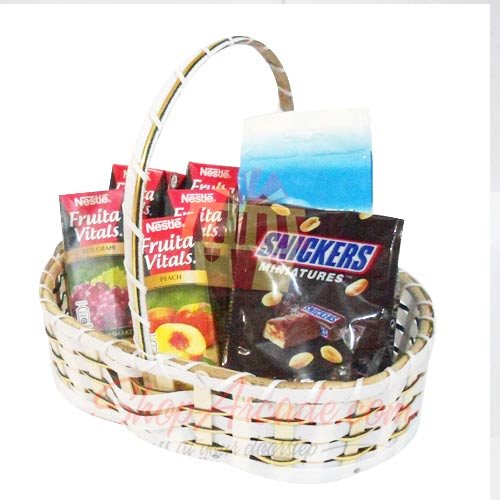 Chocs n Juice Basket
