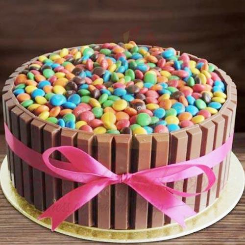 Kit Kat MnM Bucket Cake 3lbs Delizia