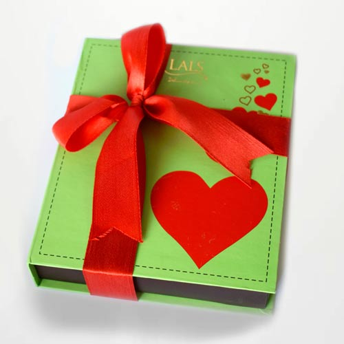 mint-green-box