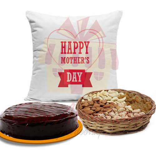 Cushion Cake And Dry Fruits