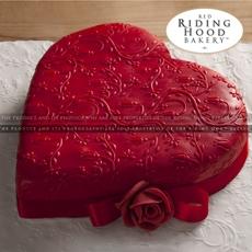 red-heart-cake-2.5-lbs