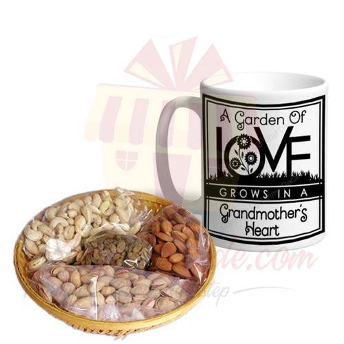 Grandma Mug With Dry Fruits