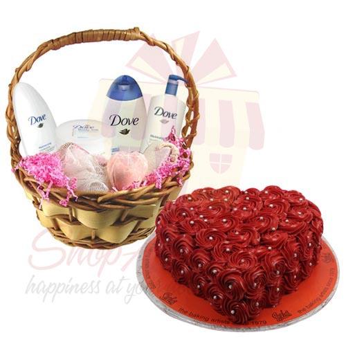 Bath Basket With Rosette Cake