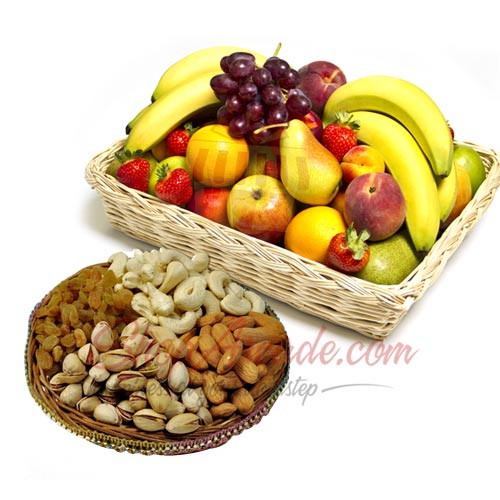 Fresh Fruits With Nuts