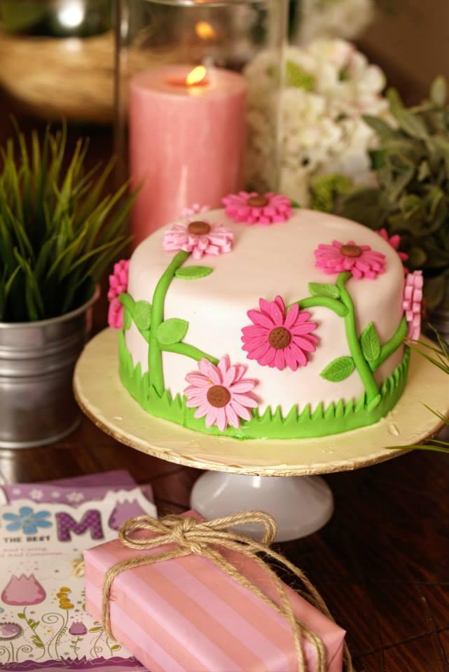 Pink Daisies Cake 4 lbs