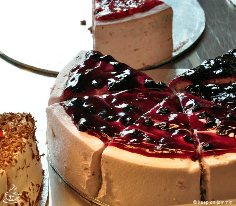 Strawberry Cheese Cake (3.5 lbs) - Jammin Java