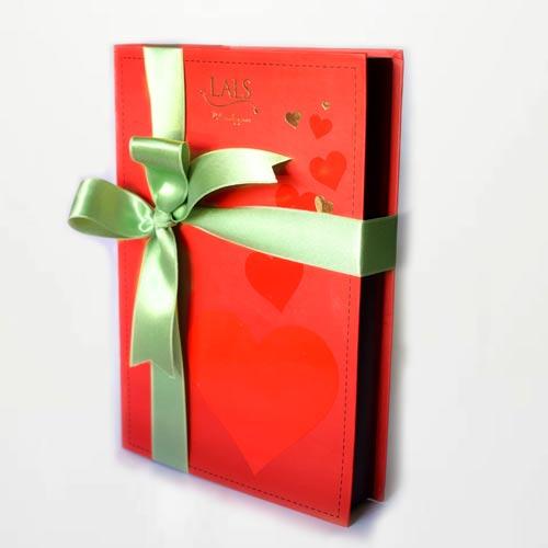 red-valentine-box