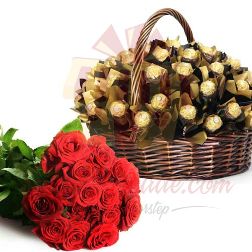 Ferrero Basket With Roses