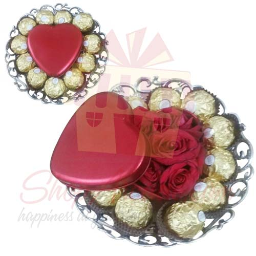 Rocher Tray With Rose Heart
