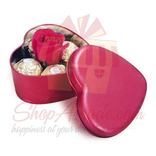 Rose And Choc Heart Tin