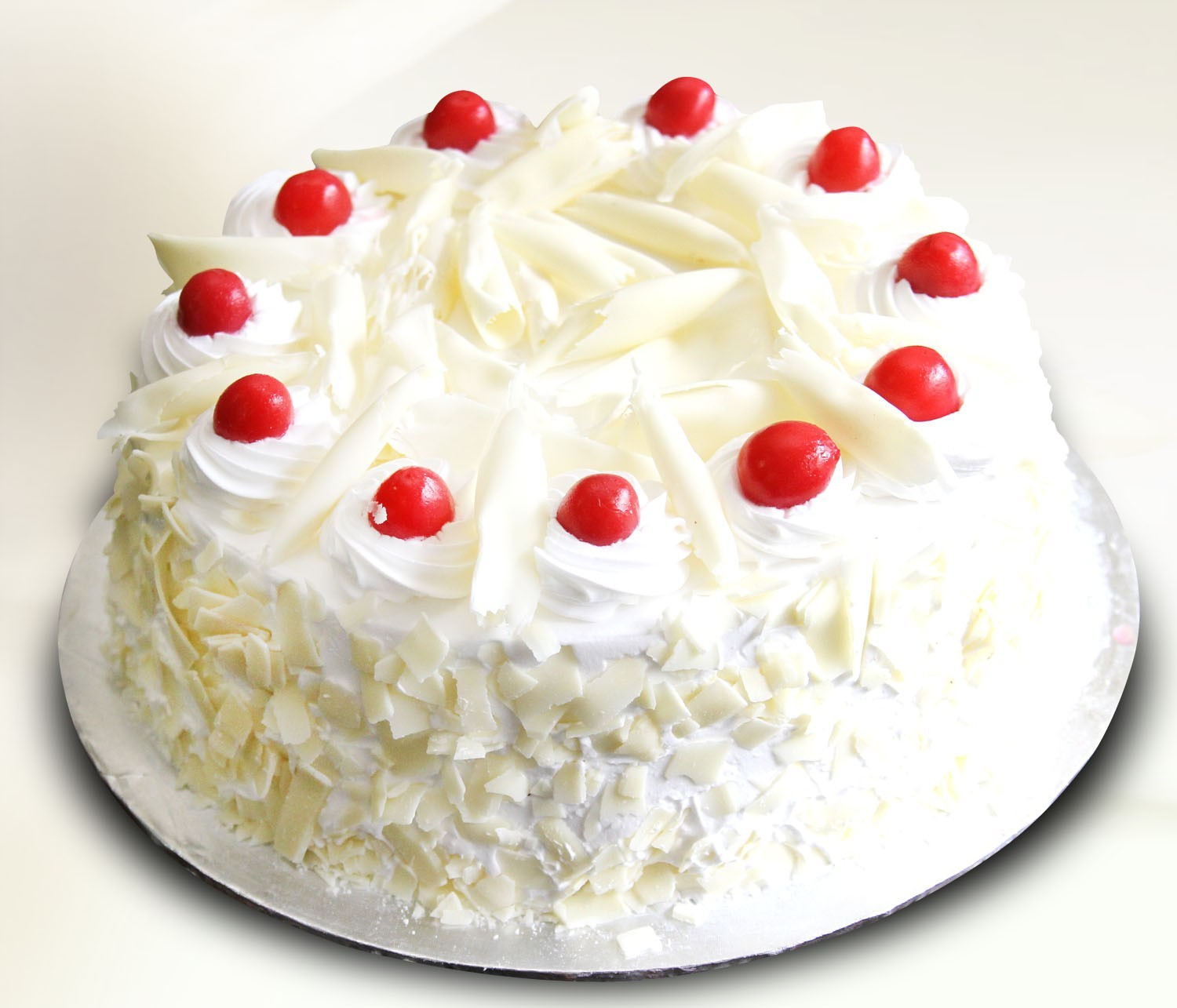Send Cakes White Forest Cake 2lbs Serena Hotel Gift To Pakistan