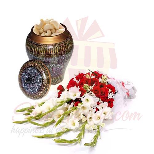 Cashew Pot With Flowers
