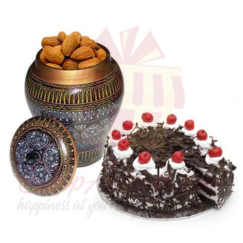 Almond Pot With Cake