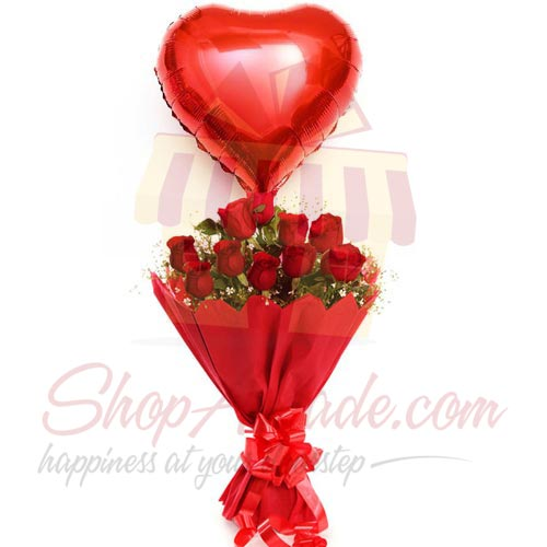 heart-balloon-in-rose-bunch