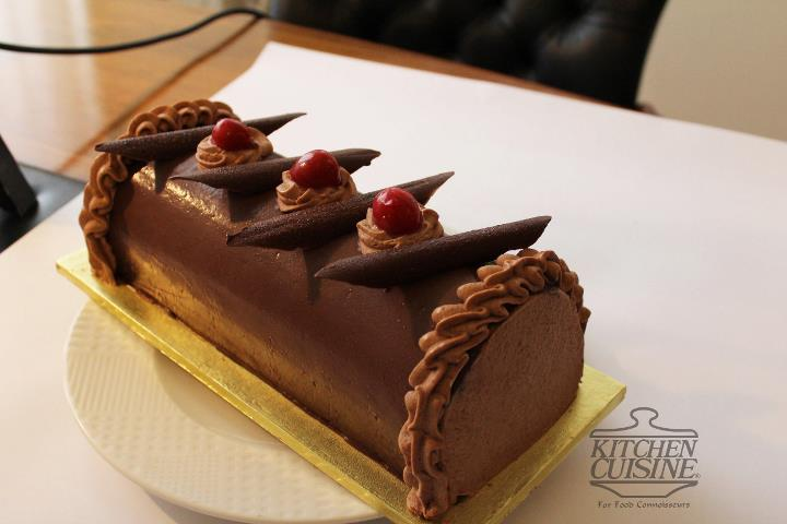 chocolate-christmas-cake-2lbs-from-kitchen_cuisine