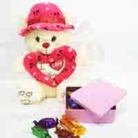 love-teddy-with-choco-box