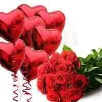 roses-with-heart-balloons