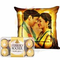led-anni-cushion-with-chocolates
