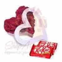 rose-heart-with-kitkat