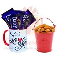 almond-bucket-with-love-choc-mug