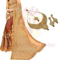 necklace-set-with-designer-saree