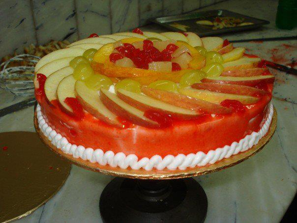 fruit-cocktail-cake-(2lbs)---bakers-inn