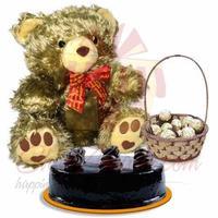 teddy-cake-with-chocolates