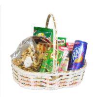 nuts-n-drinks-basket