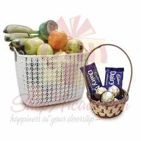 fruits-with-small-choc-basket