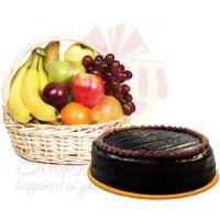 chocolate-cake-with-fresh-fruits