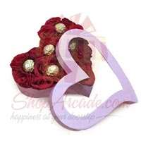 chocs-roses-in-a-heart-box