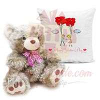 golden-teddy-with-cushion