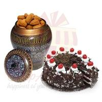 almond-pot-with-cake